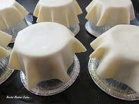 IN GREDIENTES: (Para 8 tartaletas) 8 Obleas de masa para empanadillas a temperatura ambiente 70 gr. de jamón cocido 50 gr. de queso...