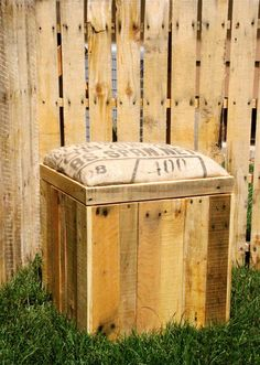 Items similar to Reclaimed Pallet Wood Furniture - Storage Cubed Ottoman - Stained on Etsy