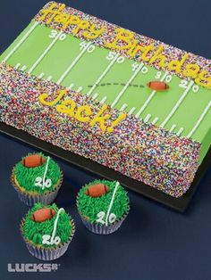 Birthday Cake For Men Sports Football Field Ideas Sports Birthday, 10th Birthday, Birthday Fun, Sports Party, Birthday Ideas, Birthday Cupcakes, Nfl Party, Birthday Nails, Super Bowl Party