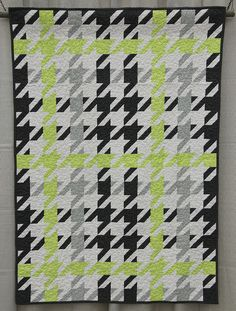 Houndstooth plaid quilt