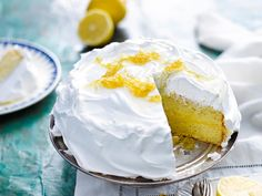 Indulge in this deliciously decadent lemon meringue cake. Topped with sugary meringue and sweet candied lemon, this is perfect for any special event or family barbeque! Lemon Dessert Recipes, Lemon Recipes, Cake Recipes, Fodmap Recipes, Sweet Desserts, Muffin Recipes, Lemon Meringue Cheesecake, Sandwiches