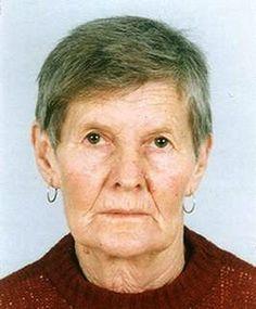 Стана Шукерова е на 77 години и за последно е излязла от дома си в с. Бостина, Смолянско на 18 април около 12 ч. От тогава насам следите й се губят, а полицията няма успех в издирването. Затова умоляваме всички да бъдат бдителни и да съобщят на тел. 112, ако имат някаква информация за нея.