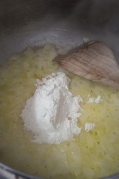 Easy Chicken and Dumplings with Biscuits - This is Not Diet Food Chicken And Dumplings Recipe With Biscuits, Creamy Chicken And Dumplings, Dumpling Recipe, Healthy Eating Recipes, Cooking Recipes, Healthy Meals, Easy Meals, Fat Chef Kitchen Decor, Butter Recipe