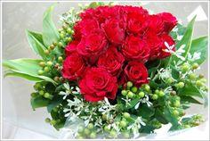 赤い薔薇シンプルな花束        http://www.proposeflo...