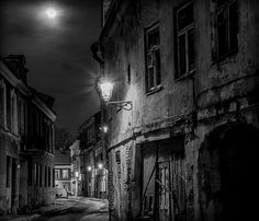 Žibintai ir mėnulis