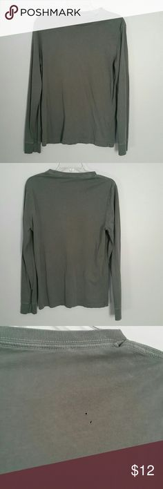 "Men's olive green ""Broken in"" long sleeve tee. Very soft 100% cotton J.Crew ""Broken in"" tee, olive green. Only flaw is 2 tiny holes on back of shirt ( shown in picture). VERY soft and comfy, great condition! J. Crew Shirts Tees - Short Sleeve"