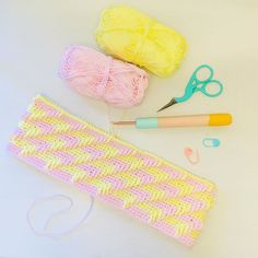 """Alex from Vienna auf Instagram: """"Today i tried a new pattern 🤓 Love these pastel colours 💕 hook from @harbourcrochet yarn from @schachenmayr #crochet #crocheting…"""" Pastel Colours, My Bags, Vienna, Crocheting, Unicorn, Tapestry, Pattern, How To Make, Inspiration"""