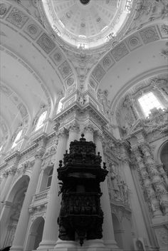 Black and white gothic-inspired architecture. Architecture Baroque, Art Et Architecture, Classical Architecture, Beautiful Architecture, A Darker Shade Of Magic, White Aesthetic, Kirchen, Oeuvre D'art, Aesthetic Wallpapers