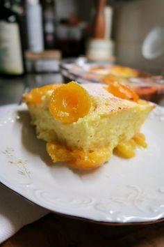 Topfenauflauf mit Aprikosen - Bine kocht! Austrian Recipes, No Cook Desserts, Trifle, Nutella, Mousse, Brunch, Food And Drink, Eggs, Cooking