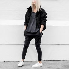 Edgy Work Outfits, Stylish Winter Outfits, Cute Casual Outfits, Best Joggers, Casual Goth, Tomboy Fashion, Women's Fashion, Looks Cool, Urban Fashion