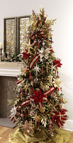2016 RAZ Christmas Trees It's that time again! The 2016 RAZ Christmas Tree images are ready for viewing. The RAZ designers do such a wonderful job of decorating trees each year Christmas Tree Images, Christmas Tree Inspiration, Christmas Tree Design, Beautiful Christmas Trees, Christmas Tree Themes, Xmas Tree, Decorated Christmas Trees, Rose Gold Christmas Decorations, Red And Gold Christmas Tree