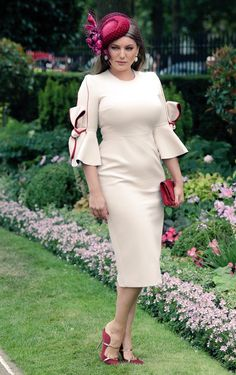Kelly Brook during day five of Royal Ascot at Ascot Racecourse. Race Day Fashion, Style Me, Cool Style, Kelly Brook, Royal Ascot, Ladies Day, Cold Shoulder Dress, High Neck Dress, Beautiful Women
