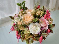 Cold porcelain, by Natasha Waldron Cold Porcelain, Clay Art, Floral Wreath, Wreaths, Home Decor, Sweets, Floral Crown, Decoration Home, Door Wreaths