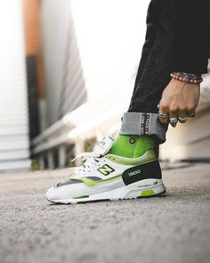 Crooked Tongues x New Balance 1500 Men Fashion, Fashion Art, Air Max Sneakers, Sneakers Nike, Pumped Up Kicks, Running Fashion, New Balance Sneakers, Retro Look, Nike Air Max