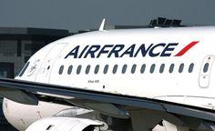 Air France cerca soluzioni per salvare la propria attività e far fronte alla concorrenza delle compagnie low cost. Oltre alle basi provinciali – la prima risposta alle compagnie low-cost – ha in programma di introdurre la propria compagnia low cost, utilizzando la sua controllata Transavia, sia creando una nuova entità