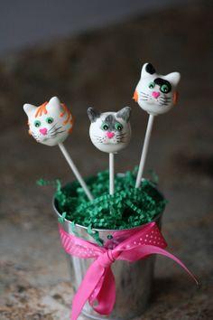 Cat cake pops!