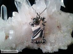 Silver Ivy Frame Necklace