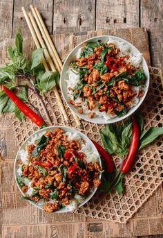 Thai Basil Chicken (Easy Gai Pad Krapow) - List of the best food recipe Thai Recipes, Asian Recipes, Dinner Recipes, Cooking Recipes, Healthy Recipes, Pollo Thai, Asia Food, Low Sodium Chicken Broth, Thai Dishes