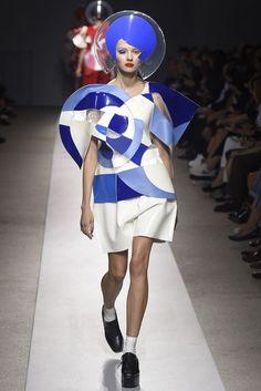 artsy geek retro some spaced - Junya Watanabe RTW Spring 2015 Weird Fashion, High Fashion, Geometric Fashion, Model Look, Junya Watanabe, Textile Prints, Spring 2015, Timeless Fashion, Wearable Art
