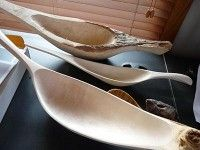 Boat-shaped scoops in the final stages of carving : Barry Gordon : Interesting article on the making process of making spoons.
