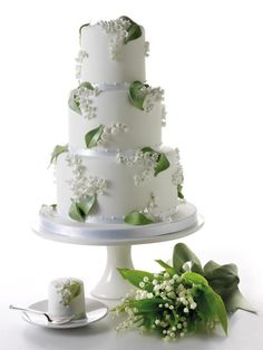 Lilly of the Valley cake, just beautiful!