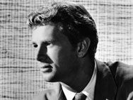 Sterling Hayden March 26, 1916 – May 23, 1986  One of Hollywood's tallest actors at 6ft 5. A leading man during the 1950s in westerns and film noir. Best remembered as the corrupt Irish American policeman, Captain McCluskey in The Godfather (1972).