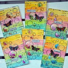 Har gjort några ATC kort i temat Regnbåge. Distress Crayons i bakgrunden, På detta har jag stämplat med läckra stämplar från Jane Design...