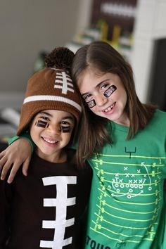 It's Game Time on the Gridiron: A Football Themed Party! Informations About It's Game Time on t Throwing A Football, Football Invitations, Party Food Themes, Party Ideas, Project Nursery, Party Guests, Football Season, Perfect Party, Games