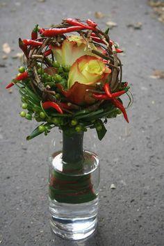 Ekvádor růže Zazu, chilli, hypericum