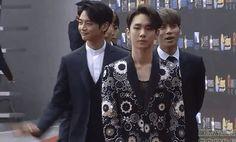 fukumin99:  160329 SHINee at Kugou Music Awards Red Carpet ^^ cr : t mins