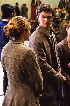"Beatrice ""Tris"" Prior (Shailene Woodley) and Caleb Prior (Ansel Elgort)"