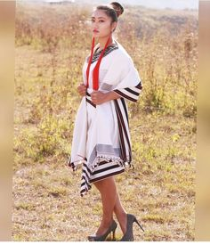 Mao Naga Tribe showing their beautifully traditional attires, skillfully and carefully design, during Mao Community Annual Gathering Cum Fresher's Meet Daughter Quotes, Father Daughter, Ethnic Fashion, Modern Fashion, Naga People, Fitness Show, Northeast India, Ethnic Dress, Western Outfits