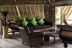 Pulau Joyo. Indonesia Dark Furniture, Outdoor Furniture Sets, West Indies Style, Estilo Indie, British Colonial Decor, Inviting Home, Asian Design, Dream Houses, Highlands