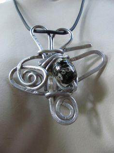 Ketten lang - Halskette silber/schwarz-  handmade - einzigartig  - ein Designerstück von BRI-Anderswelt bei DaWanda Etsy, Bracelets, Silver, Jewelry, Handmade Jewelry, Chains, Unique, Black, Jewlery