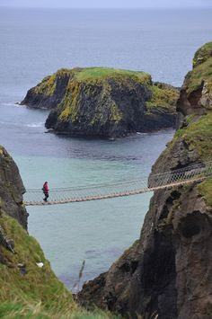 Carrick-a-Rede Rope Bridge - Ballintoy, Antrim, United Kingdom