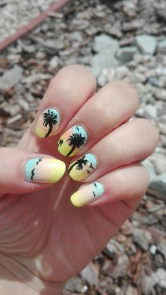 Colour summer nails with palm tree