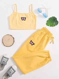 Really Cute Outfits, Cute Lazy Outfits, Crop Top Outfits, Cool Outfits, Girls Fashion Clothes, Teen Fashion Outfits, Retro Outfits, Cute Sleepwear, Summer Girls