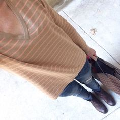 Instagram @headedoutthedoor #ootd || @gap sweater and belt | @vigossusa jeans | @thefryecompany boots | @louisvuittton bag