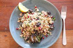 Couscous mit Granatapfel, Kohlsprossen, Radieschen und Kresse | Esskultur