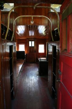 1000 images about caboose visions on pinterest interiors leather club chairs and train car. Black Bedroom Furniture Sets. Home Design Ideas