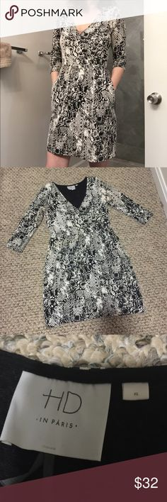 Final Sale! Anthropologie dress warm gray white HD in Paris Anthropologie dress . White with gray and black . Warm. Worn a few times, but in  very good condition. XS. Fits like XS to S. This price is the final! No offers. Anthropologie Dresses Midi