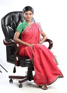 A happy ending for Zee TV's Afsar Bitiya! Good Notes, Indian Celebrities, Happy Endings, New Shows, Saree, Drama Series, Krishna, Fashion, Sari