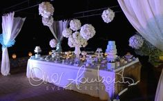 Matrimonio a Capri.Elegantissima confettata che racchiude tutti i gioielli del mare.