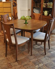 Broyhill Sculptra Dining Table and Chairs -  Love the floor - same Pergo was in the entryway of my home growing up.