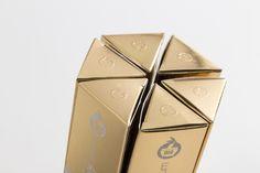 Goji Serum on Packaging of the World - Creative Package Design Gallery