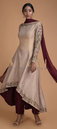 Natural Beige A Line Suit With High Low Hem And Resham Embroidery Online - Kalki Fashion Designer Kurtis, Indian Designer Suits, Designer Dresses, Indian Designer Clothes, Indian Designers, Embroidery Suits Punjabi, Embroidery Suits Design, Simple Kurti Designs, Kurta Designs