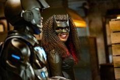 Batwoman, The Cw, Gotham City, Ryan Leslie, Robin Givens, Nathan Owens, Big Joke, She's A Woman, Character
