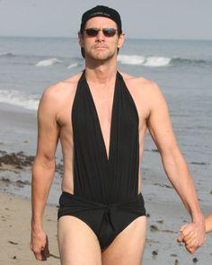 Jim Carrey en bikini!