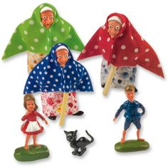 #3150 Large plastic witch group