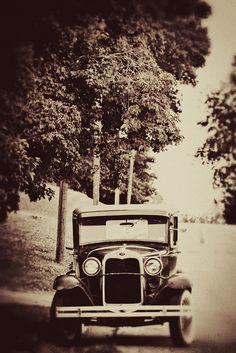 Vintage Car B by reefbubbles, via Flickr